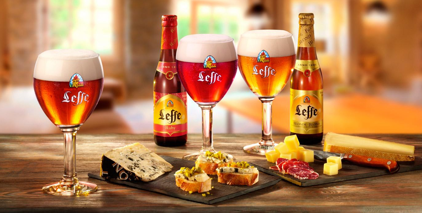 BE Leffe at the table
