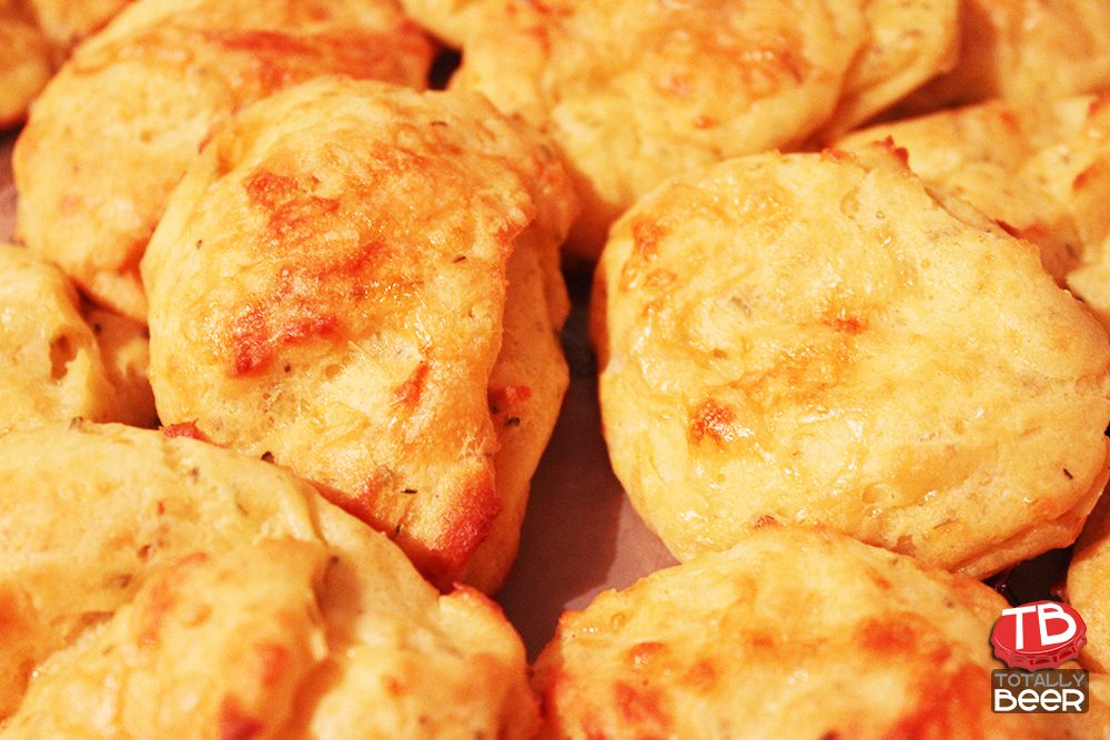 Cougeres com Gruyere