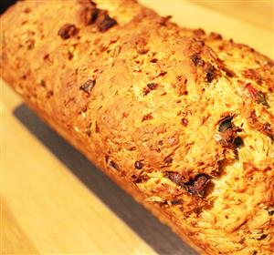 Spent grain bread with Spicy Sausage